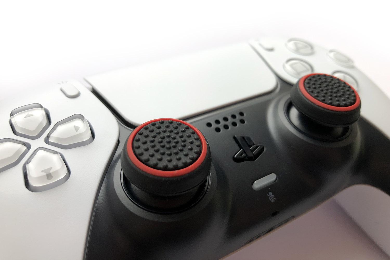 Накладки на стики DualSense красный с черным