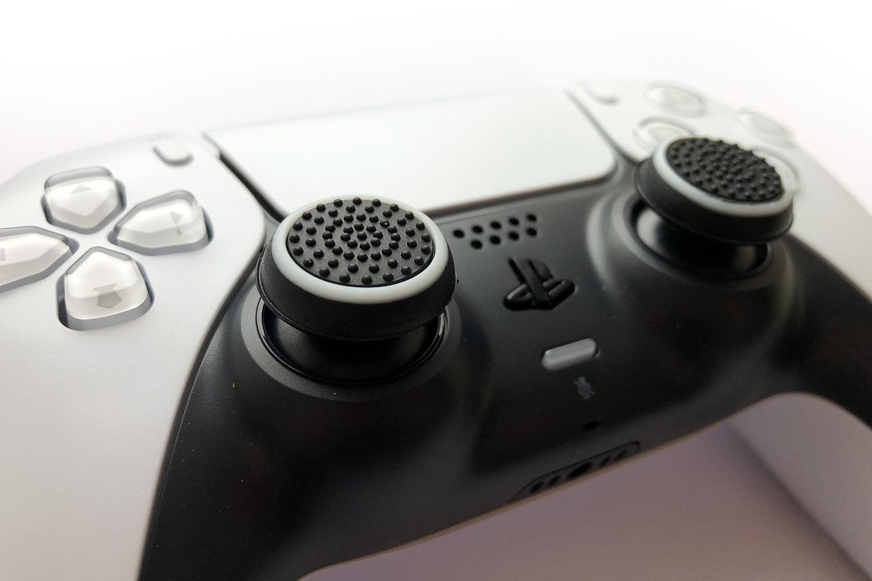 Накладки на стики DualSense белый с черным